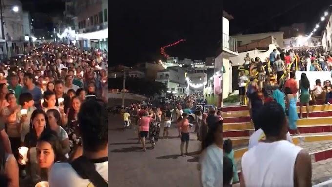 Católicos tomam as ruas de Jacobina durante a 16ª Caminhada da Luz