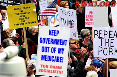 IMAGE(http://3.bp.blogspot.com/-YDcE8nhYVVU/TvozztAUD8I/AAAAAAAAAGI/D8MVwgZfEZs/s400/keep-your-government-hands-off-my-medicare.jpg)
