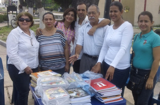 maestros-rosarenses-realizan-cuadernazo-ninos-necesitados
