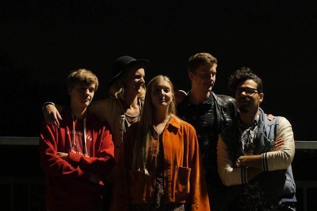 "Jamsällskapet smooth and rough psyche rock meets lounge rock on ""Glasbarn"""