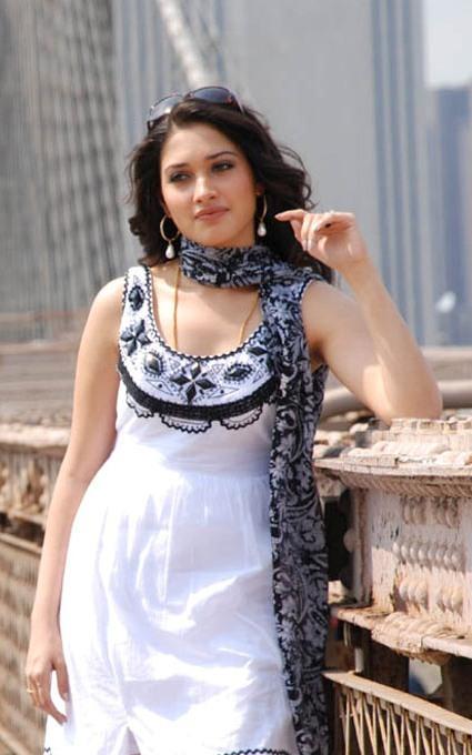 Slicypics Indian Actress Tamanna Bhatia Photos: SlicyPics: Indian Actress Tamanna Bhatia Photos
