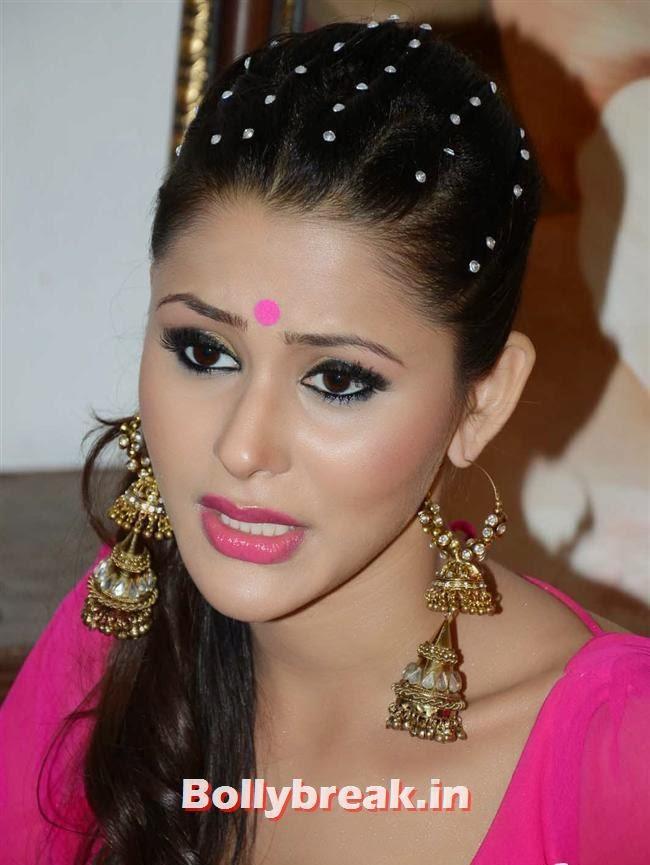 Khushboo Purohit, Khushboo Item Song Pics On The Sets Of 'Meinu Ek Ladki Chaahiye'