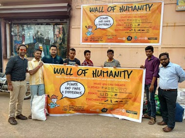 Wall of Humanity in Puri, India