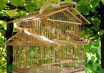 Kerajinan Unik dari Bambu