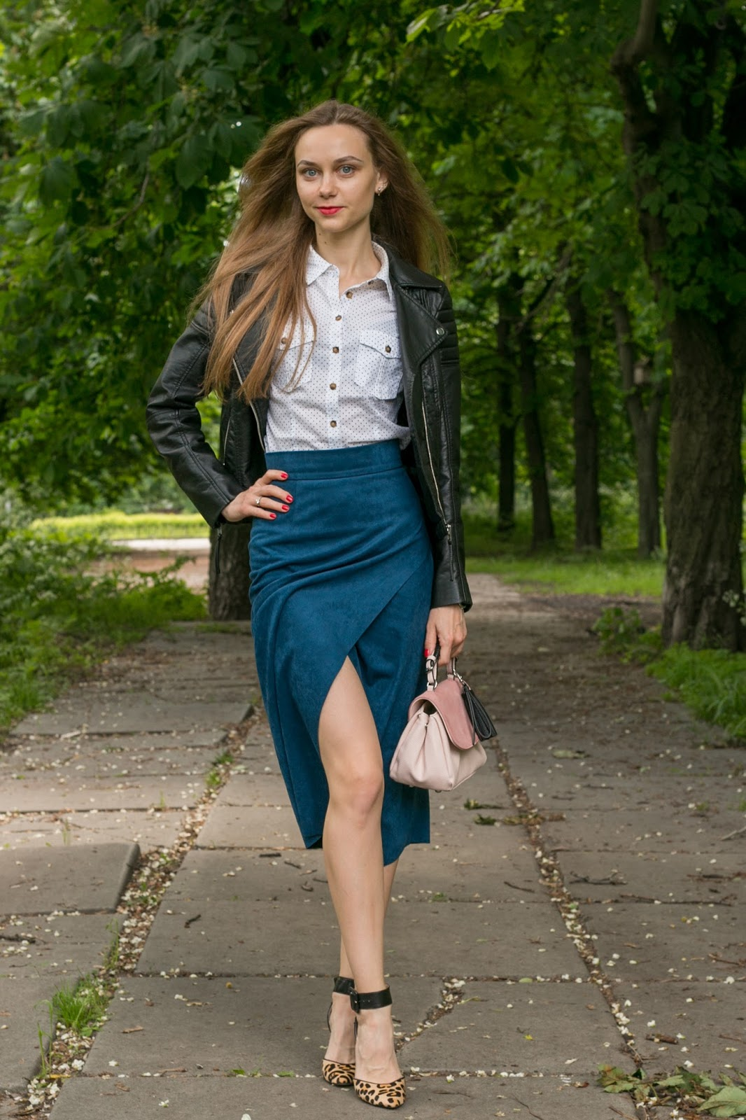 LookOn, look, lookbook, outfit, outfits, ootd, wiw, wiwt, style, fashion, fashion blog, fashion blogger, inspiration, asymmetric skirt, heeled sandals, leather jacket, shirt, heels, bag, wiw, streetstyle, fashionblogger, styleblogger, spring outfit, summer outfit