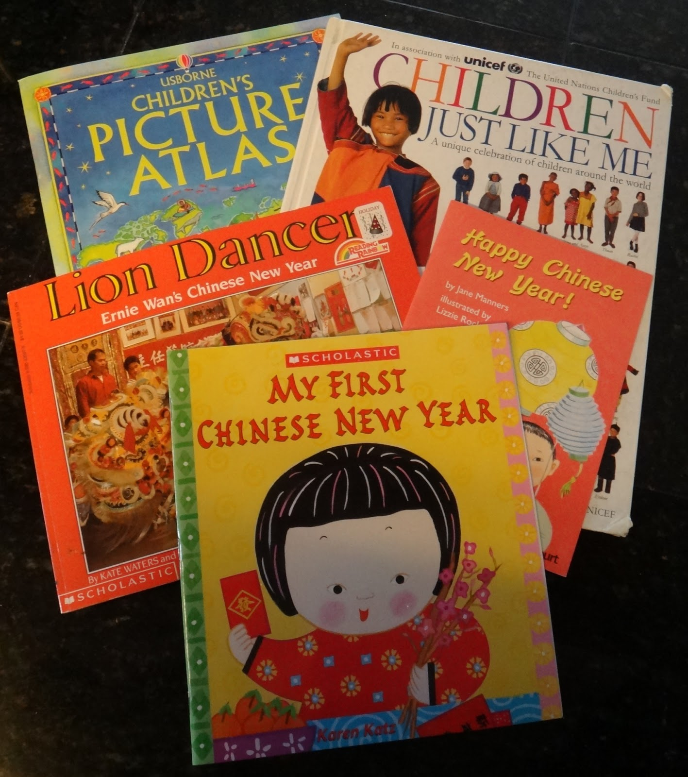 Little Stars Learning Chinese New Year