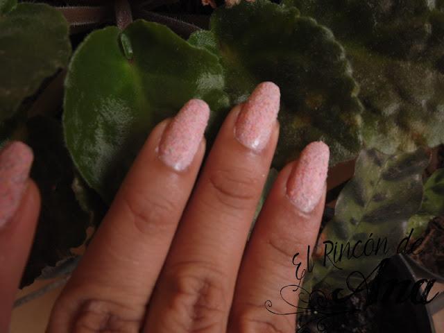 Probando productos para las uñas