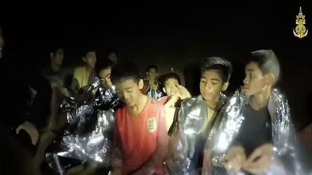 Із печери в Таїланді евакуювали шістьох хлопців