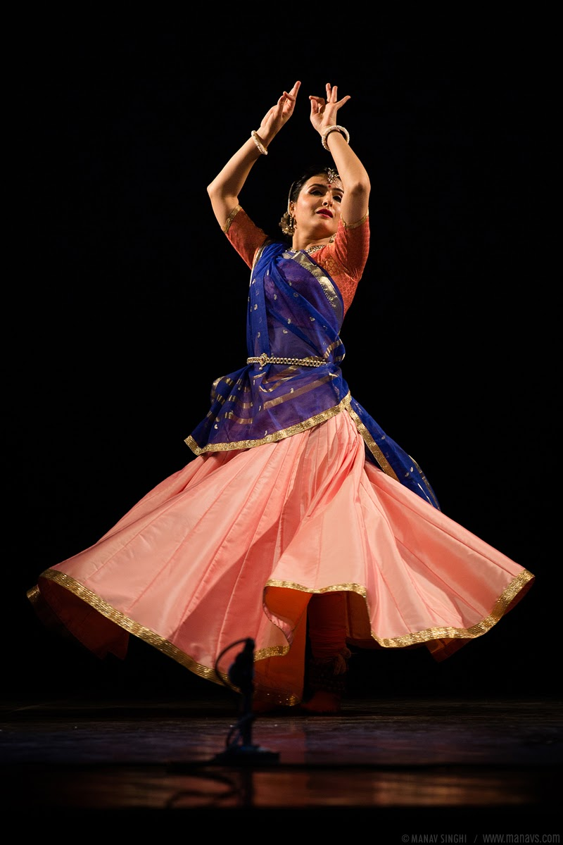 Meha Jha Kathak from Lucknow Gharana.