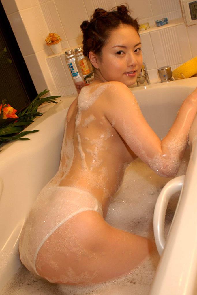 akiho yoshizawa sexy nude photos 02