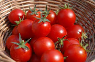 Tomatoes – Natural remedy for good vision || www.ayooghana.com