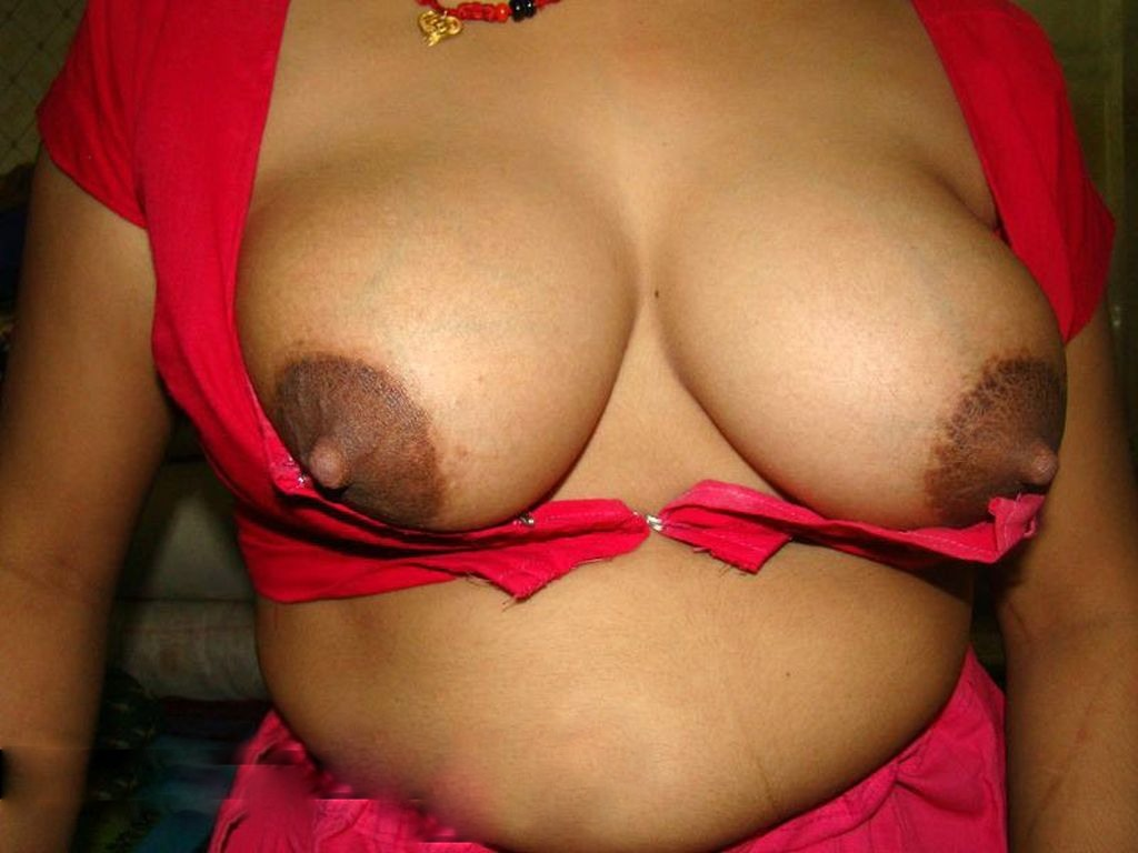 Sexy-Indian-Bhabi-Removing-Blouse  Desi Xnxx Net-3413
