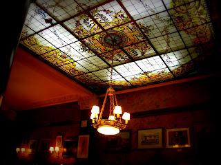 O Café Tortoni Mantém a Sua Antiga Decoração, em Buenos Aires