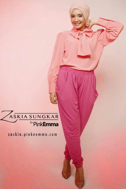 Model Baju Muslim Warna Pink dan Merah Muda