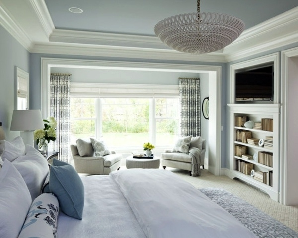 5 Tips To Create A Relaxing Bedroom