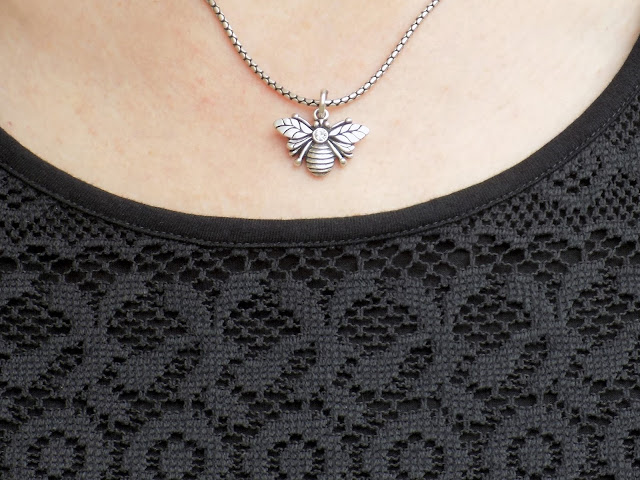 Danon jewellery svarowski set bee necklace