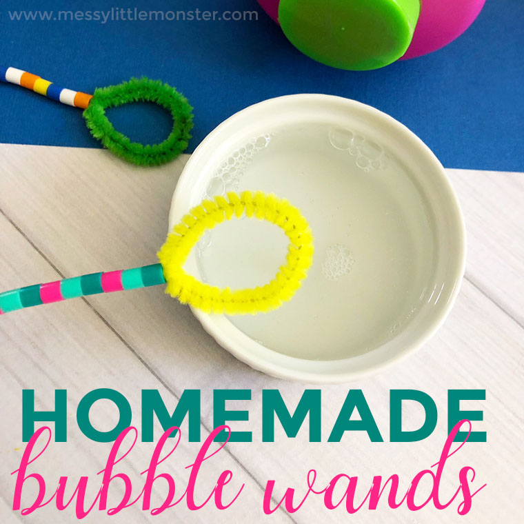 How to make homemade bubble wands for outdoor bubble play. This easy pipe cleaner craft is so much fun for toddlers and preschoolers. Enjoy this fun summer activity for kids!