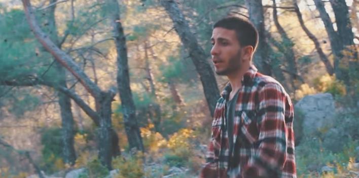Arat Araz - Sen Dünyamın Dört Bir Köşesi şarkı sözleri