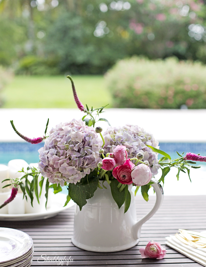 beautiful table setting by the pool