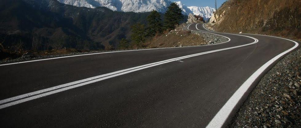 Συντηρεί και βελτιώνει το οδικό δίκτυο των δήμων Τρικκαίων και Καλαμπάκας η Περιφέρεια Θεσσαλίας