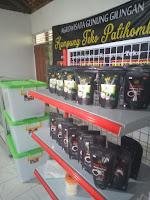 Gasebo, mesin pengolah teh , etalase produk , dan bimbingannya