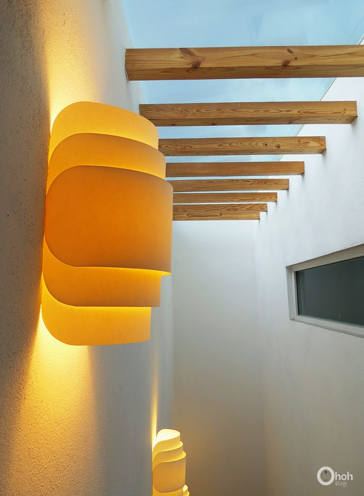 https://www.ohohdeco.com/2014/07/diy-paper-wall-lamp.html