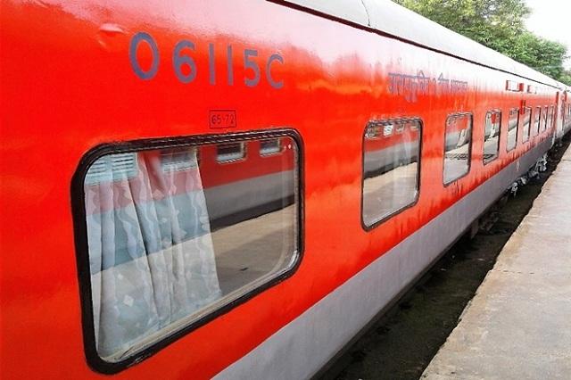 Mumbai-Delhi Rajdhani Express