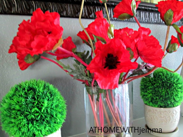 Decorating with Pretty Poppies