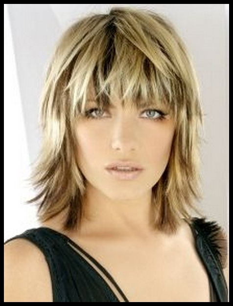 51 must see layered haircut to see before your next salon trip choppy layered haircuts pictures urmus Images