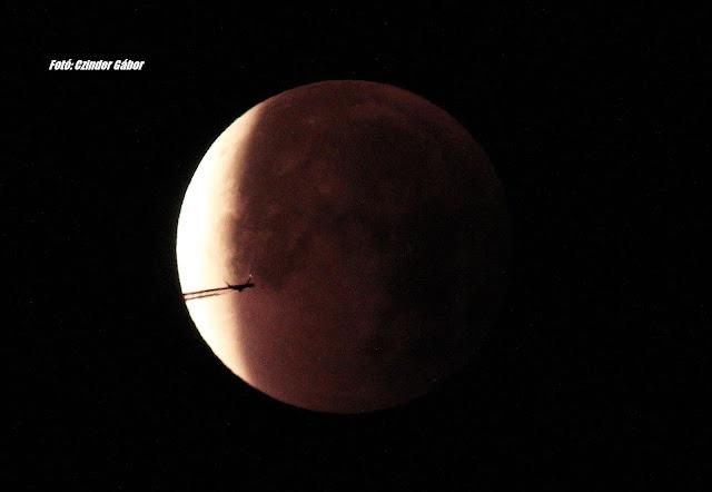 A hét képe: Hajnali holdfogyatkozás