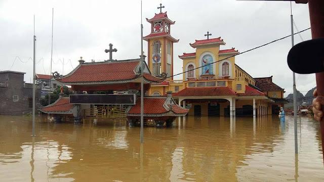 Nhiều ngôi Thánh Đường chìm trong nước lũ - Ảnh minh hoạ 5