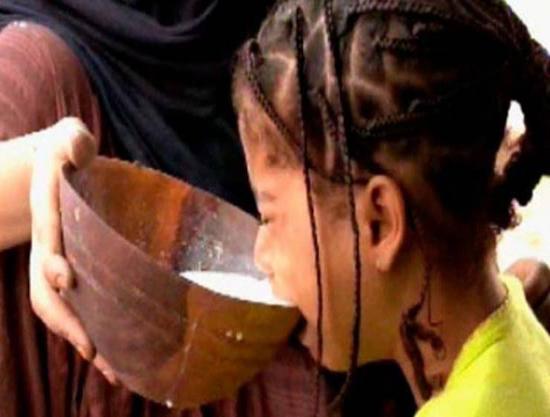 في موريتانيا يسمنون الفتيات قبل الزواج لسبب غريب !! ستنصدم عندما  تعرف السبب.