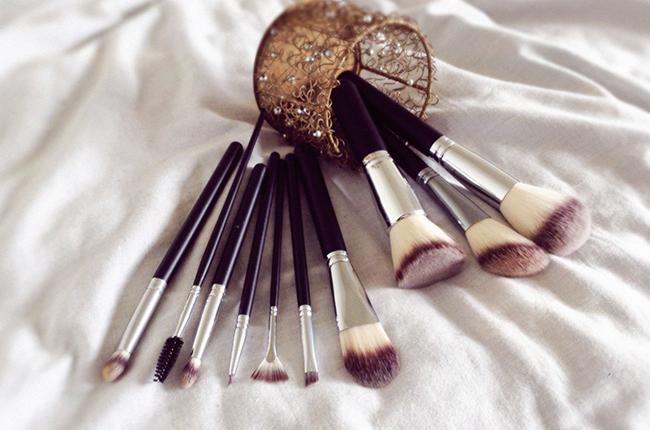 Crownbrush makeup brushes 516 syntho set blog review