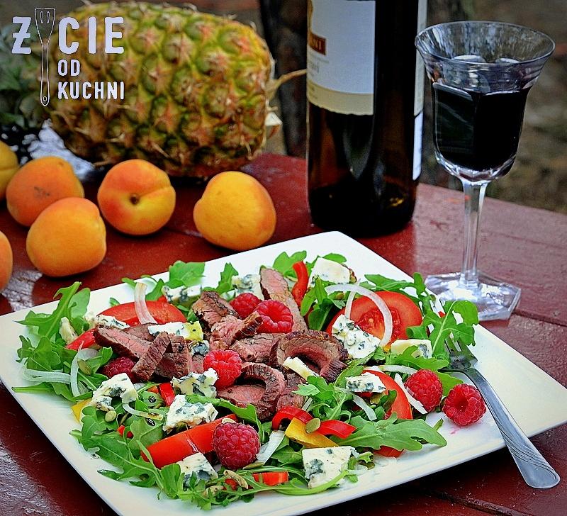 stek, stek bavette, stek z grilla, salatka ze stekiem, grill, medium rare, wolowina, danie z grilla, biwak, salatka z rukola, blog, zycie od kuchni