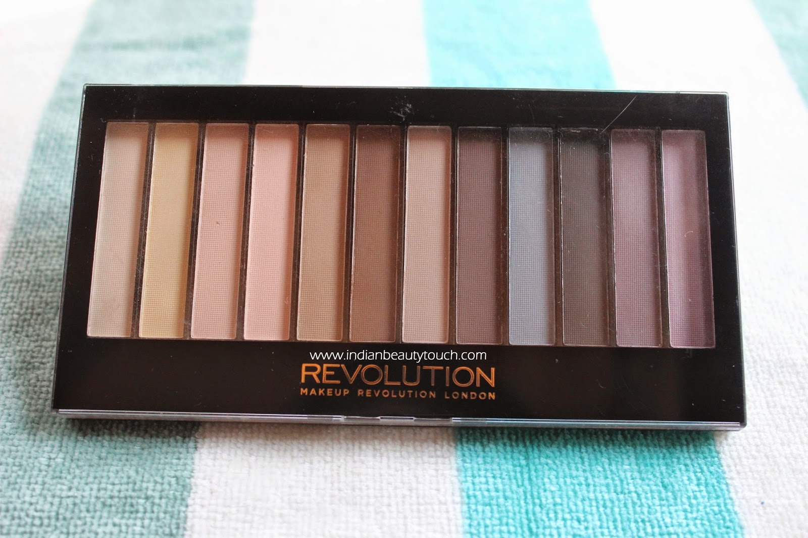 Makeup Revolution London Redemption Palette Essential Mattes Review and swatches