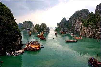 ฮาลองเบย์ (Ha Long Bay)