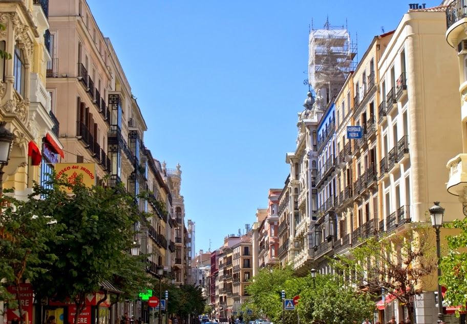 Rua Calle Mayor em Madri