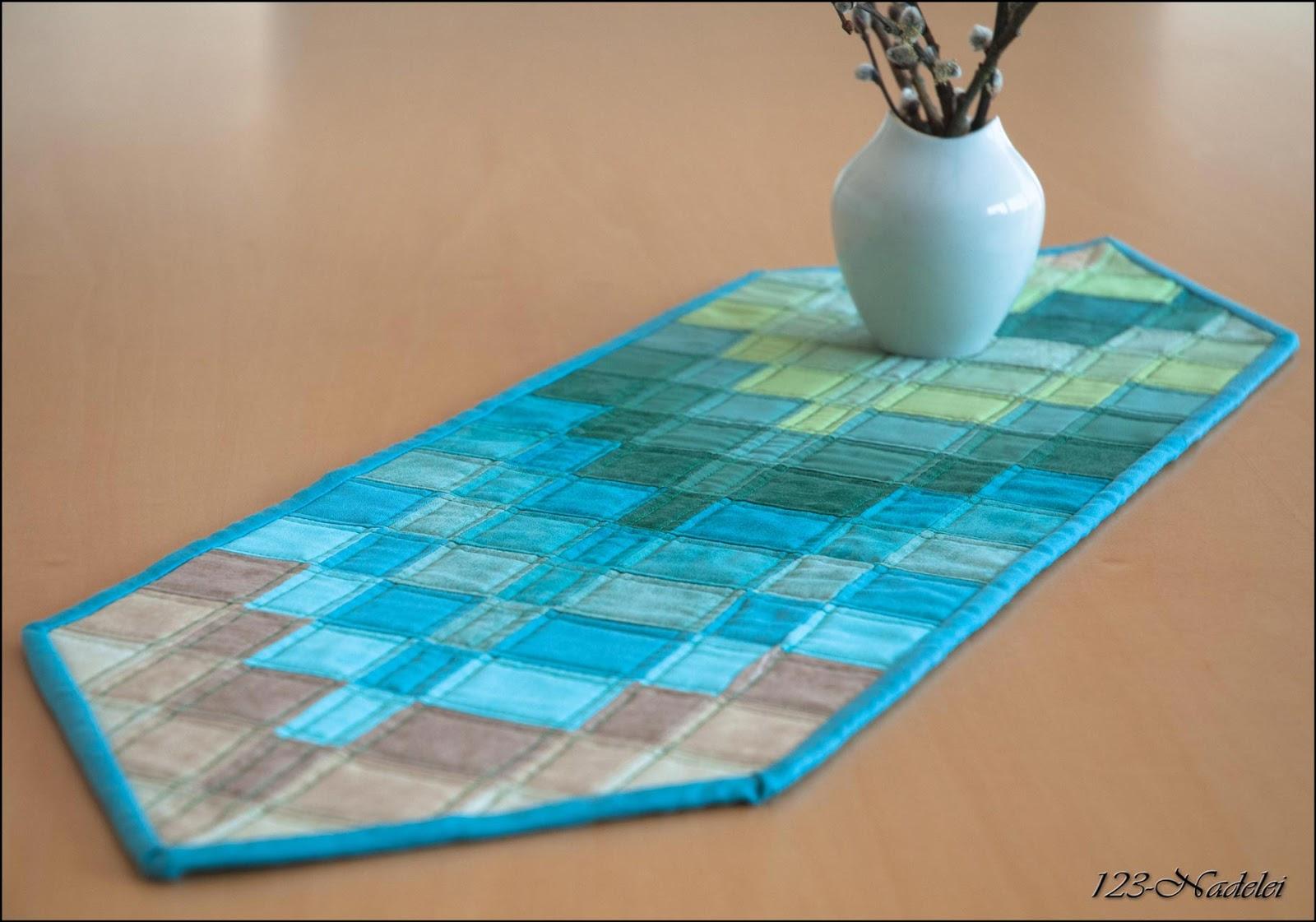 123-Nadelei: Bargello - Tischläufer mit Wellen-Muster aus Streifen