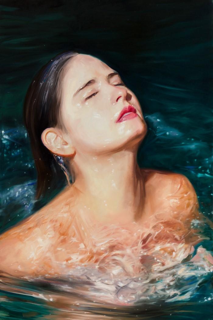 В воде и под водой.