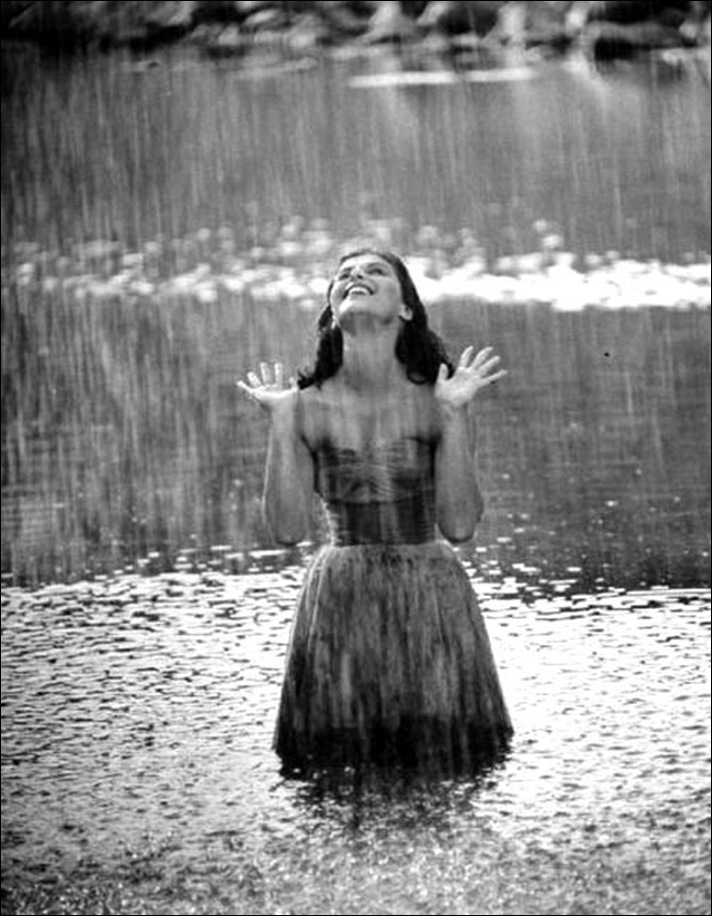 https://i0.wp.com/3.bp.blogspot.com/-YH-Lh-TK6tU/UBlRK63FUxI/AAAAAAAACQA/PG9SrKtuQ9U/s1600/rain.celebration.jpg