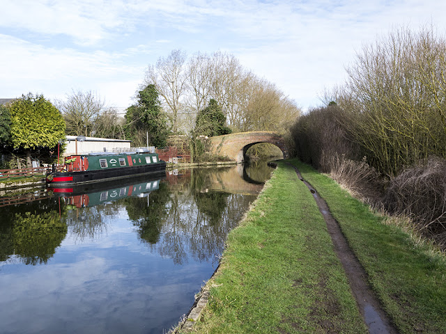 Typical Grand Union Canal