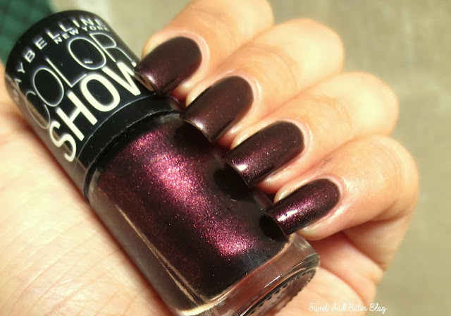 Maybelline Color Show Wine & Dine Vampy Nail Paint Swatch