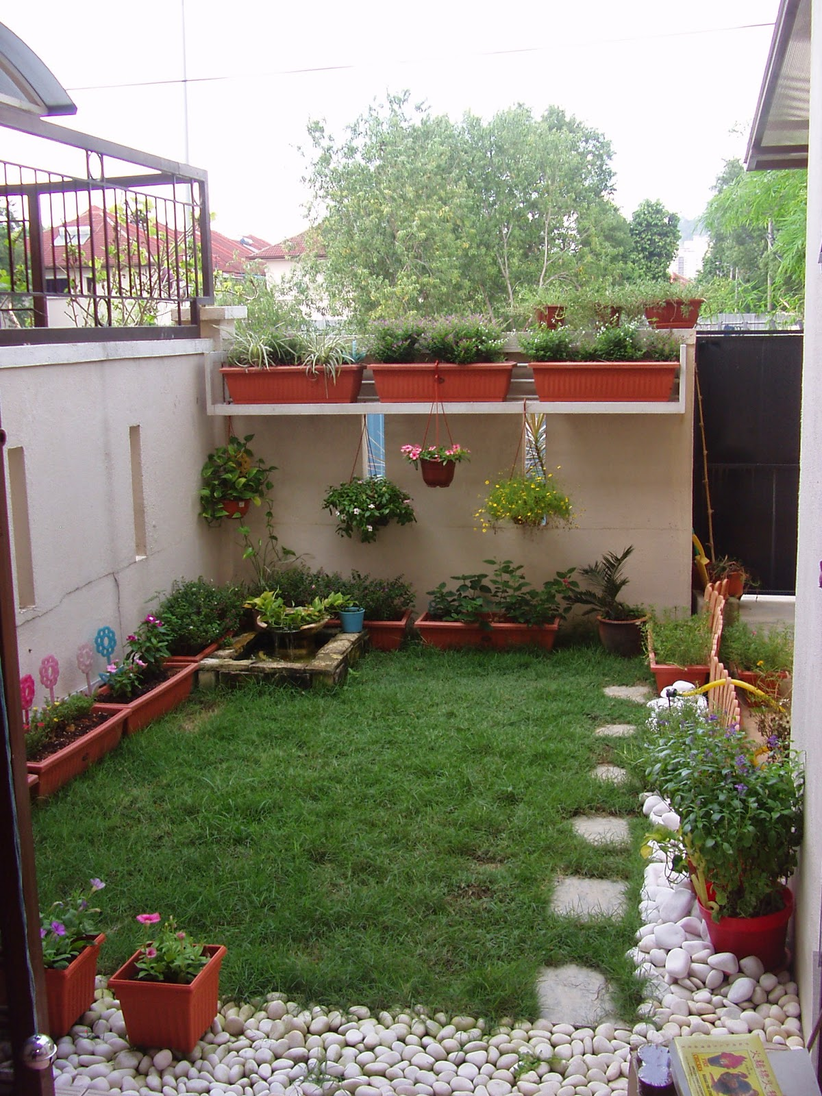 Cool designs for small houses backyard