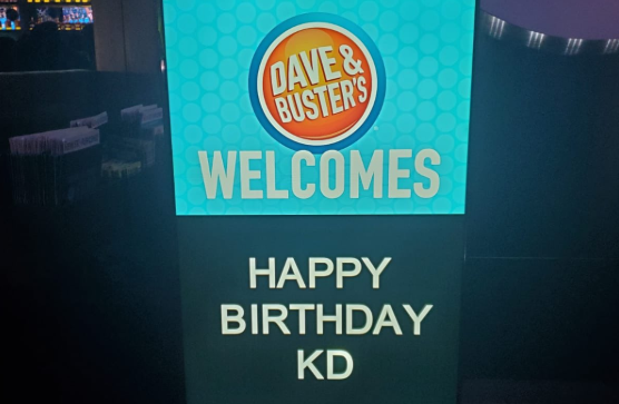 Kevin Durant celebrates birthday at Dave and Busters