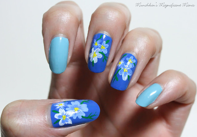 Blue flower nail design