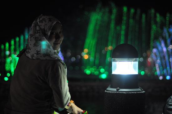 Tanjung Aru Kota Kinabalu Fountain. Air pancut berirama ni bermula jam 7 petang setiap hari.