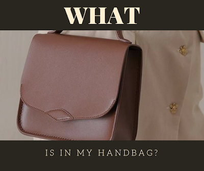 WHAT IS IN MY HANDBAG? | WINICHELEN
