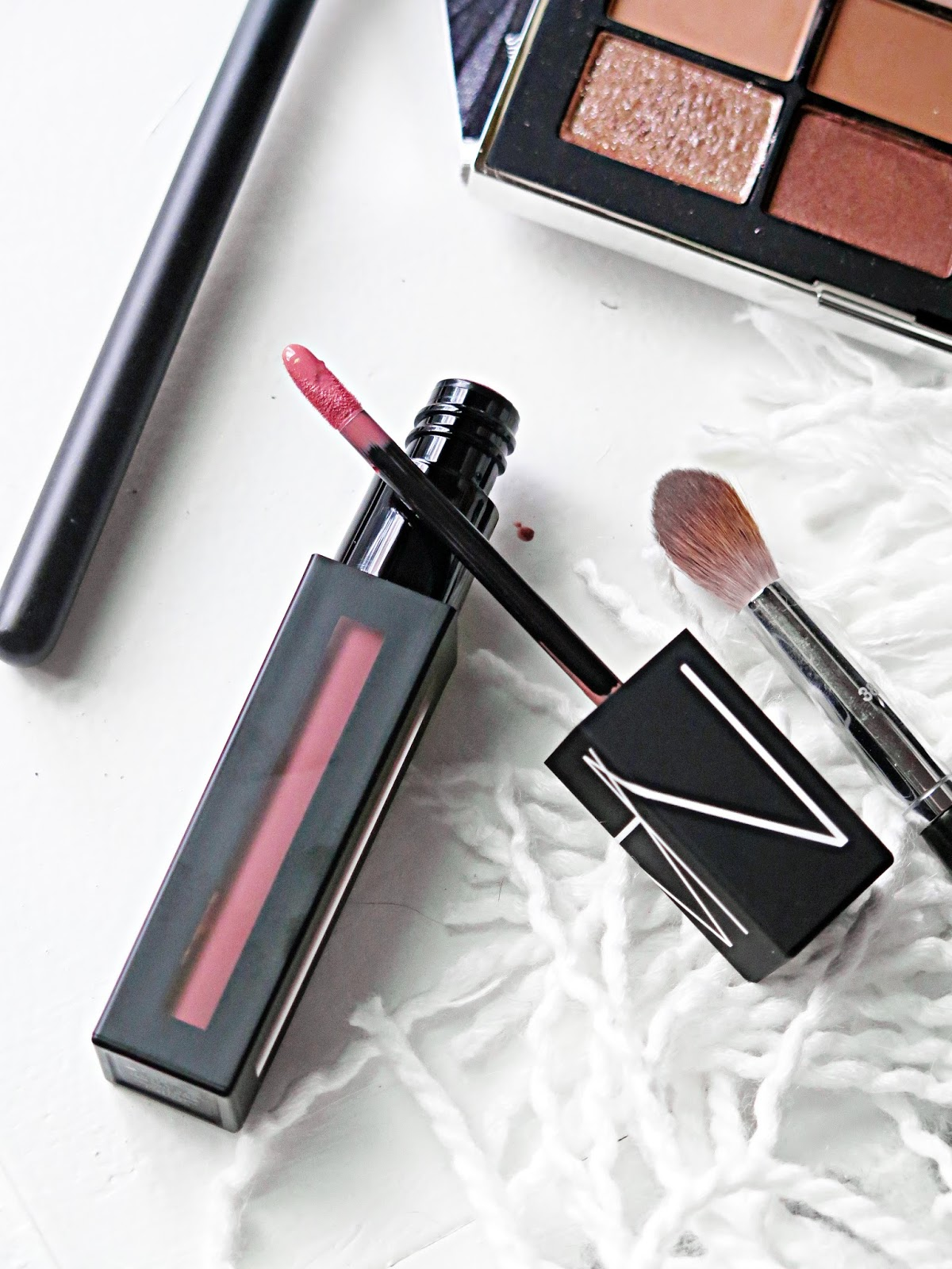 Two New Favs From Nars Cosmetics | NARSISSIST Wanted Eyeshadow Palette & PowerMatte Lip Pigments | Review & Swatches | labellesirene.ca