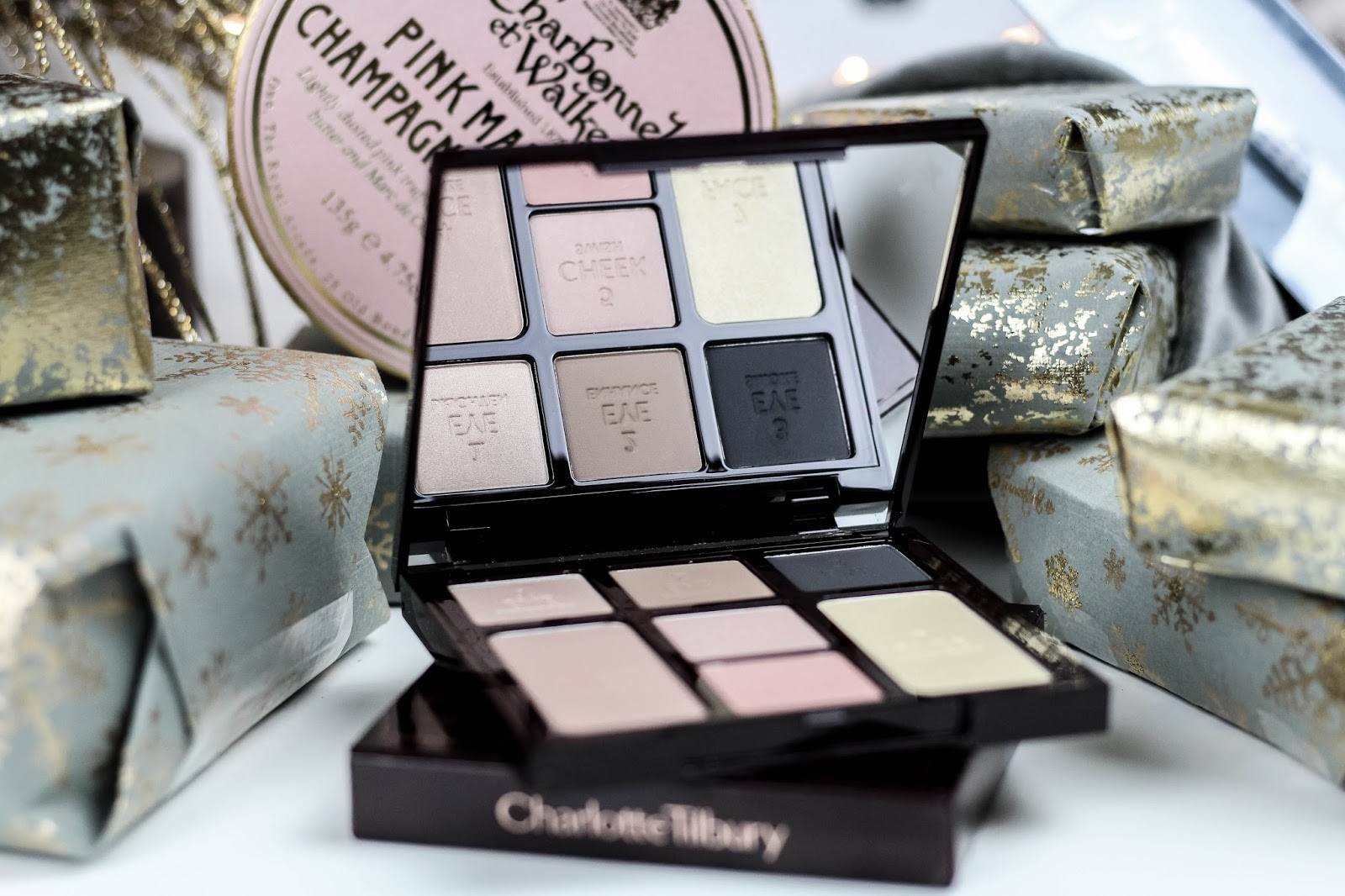 Charlotte Tilbury Instant Look in a Palette Smokey Eye Review