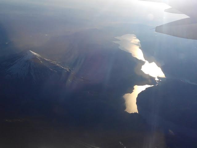 Volcán Lanín y Lago Huechulafquen